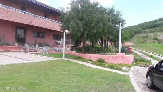 Casa En Venta En San Miguelito, Queretaro, Rah-mx-21-763