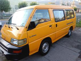 Mitsubishi L300 Escolar