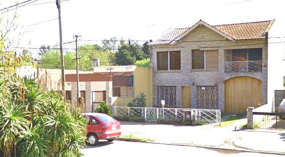 Alquiler De Casa En Los Hornos Con Pileta