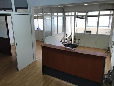 Oficina - 4 Despachos, A Metros De Galeria Pacifico, Vista Abierta