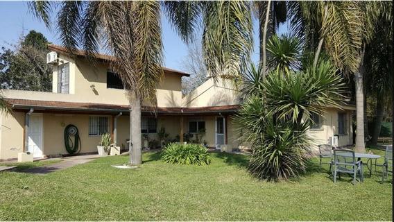 Venta Casa En Pilar En Zona De Quintas 6 Ambs Y Pileta