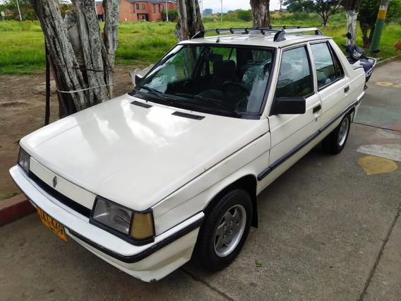 Renault R9 Sedan Blanco.