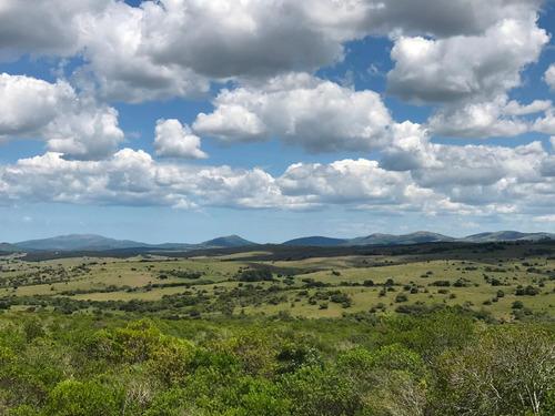 Chacra En La Sierra Para El Descanso. Vistas, Monte, Aves.