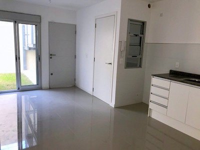 Alquilo Casa De 2 Dormitorios , Brazo Oriental!!