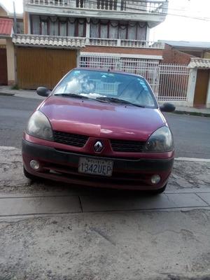 Renault Clio - 1.600 - 2004