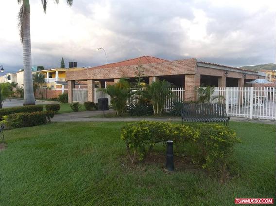 Casas En Venta Urb. Villa Laguna Club