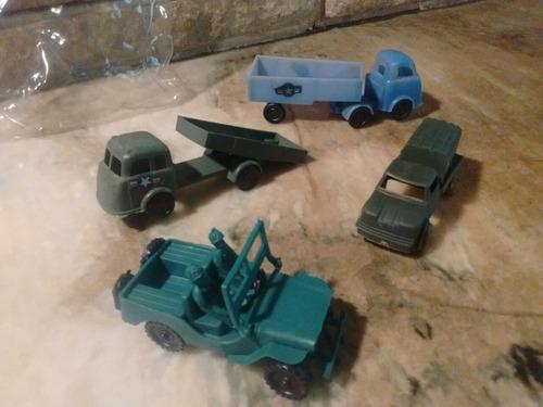 Imagen 1 de 6 de Lote De 4 Vehiculos De Soldaditos Camiones Y Jeep Plastico