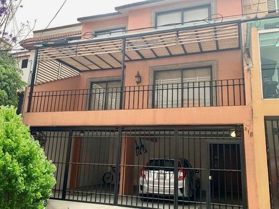 Renta De Preciosa Casa Duplex.