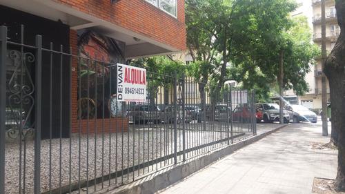 Local Comercial En Pocitos