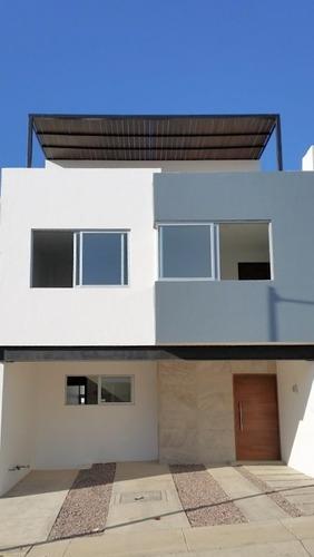 Hermosa Casa A Estrenar En Madeiras Residencial, Zapopan