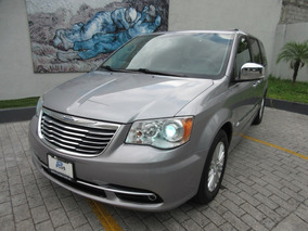 Chrysler Town & Country Limited 2014!!