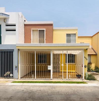 Hermosa Casa 3 Recamaras, Acabados De Lujo.