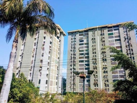Apartamento En Venta Urb. El Centro Maracay Cód: 20-8255 Mfc