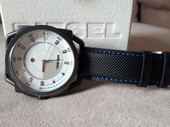 Relógio Original Diesel Fundo Branco Pulseira De Couro