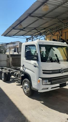 Imagem 1 de 10 de Caminhao Chassis Volkswagen Delivery 13.180 6x2. 2021/2022