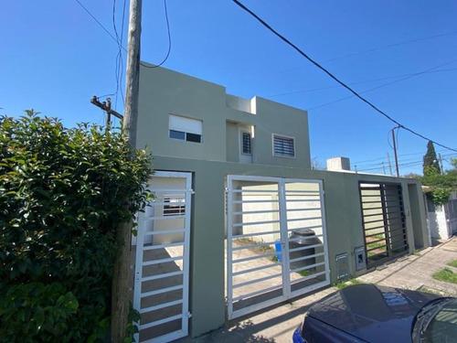 Duplex Venta 2 Dormitorios , 2 Baños , Parrilla Y Cochera-100 Mts2  - Los Hornos