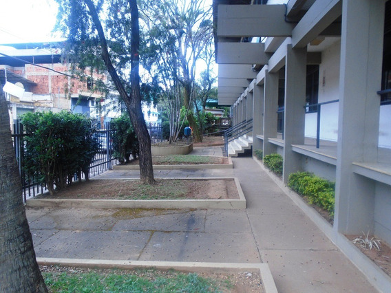 Sala Para Alugar No Santa Teresa Em Ponte Nova/mg - 4608