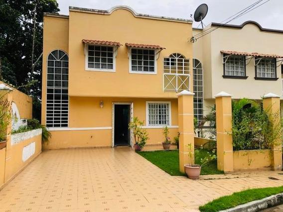 Amplia Casa En Venta En Chanis Panama