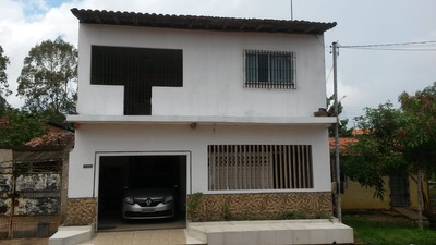 Linda Casa No Parque Vitoria