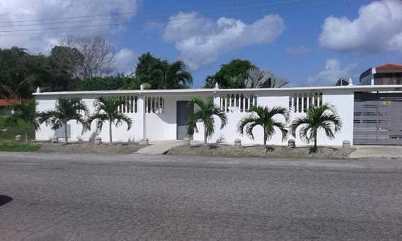 Casa En Venta Urb. Los Canales De Río Chico