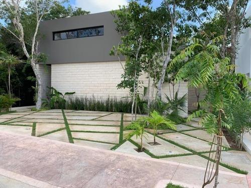 Casa En Venta En Residencial Lagos Del Sol