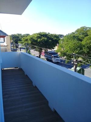 Por Escalera 2 Dormitorios En Paso Molino