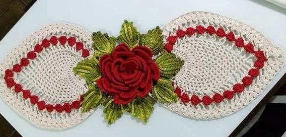 Caminho De Mesa Croche Com Flor Vermelha