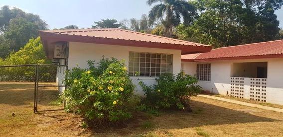 Hermosa Casa En Venta En Howard Panama