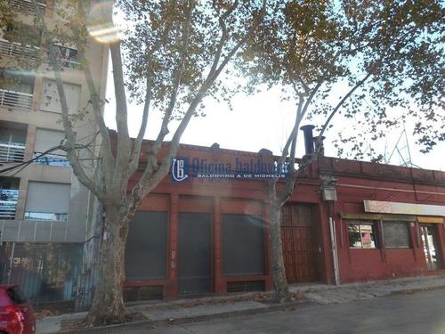 Local Pque. Batlle - Avda. Rivera Y Rosell  Y  Rius