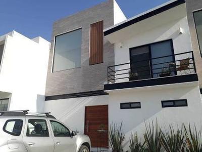 Preciosa Casa Con Roof Garden En La Condesa Juriquilla, Lujo