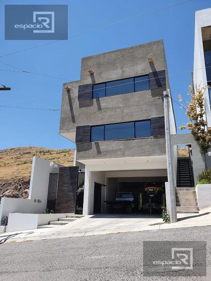 Casa En Venta En Lomas Universidad Con Preciosa Vista