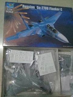 Avion Su-27ub 1/72 Trumpeter