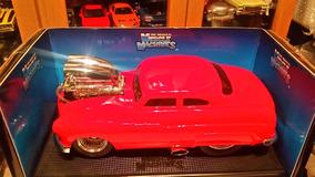 Miniatura Mercury 1949 Muscle Machines 1/18
