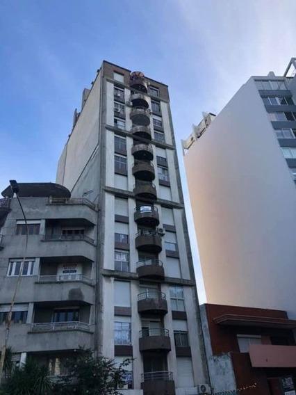 Apartamento 1 Dormitorio 1 Baño Frente Al Pereira
