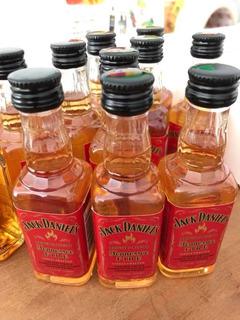 Oferta! Whisky Jack Daniels Fire 50ml Miniatura