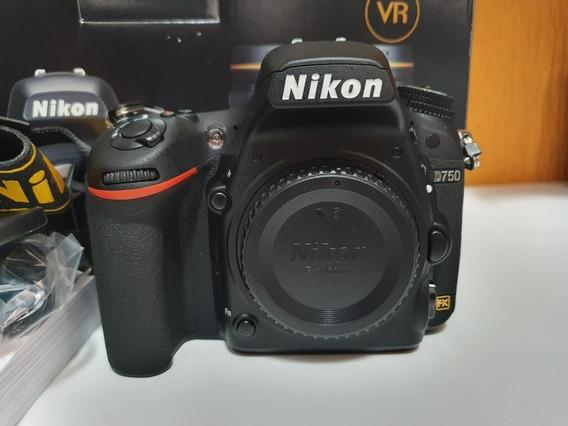 Câmera Nikon Full Frame D750 Apenas 2500 Cliques