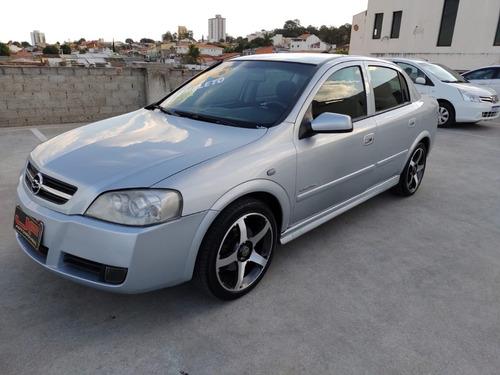 Imagem 1 de 6 de Chevrolet Astra Elegance 2.0