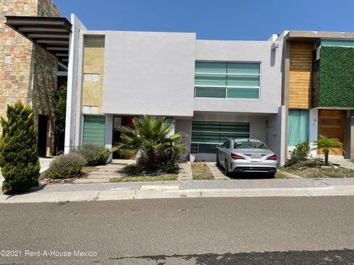 Casa En Renta El Mirador 3 Habitaciones Avh
