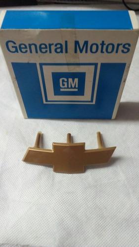 Escudo Parrilla Astra 2 07/ (dorado) Legítimo Gm