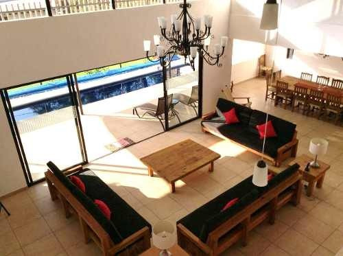 Preciosa Residencia 1000m2t, 540m2c, 4 Recs, 7 Autos Jardin