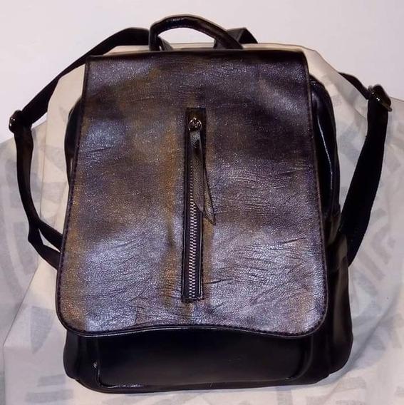 Mochila Bag Stage Color Negro Detalle Cierre De Vista