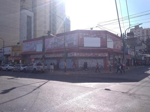 Imagen 1 de 15 de Super Local Ex Casa Tia. 1450 M2 En Pb. Frente A La Estacion De Quilmes.