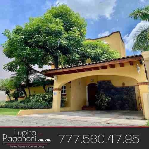 Venta Residencia En Cuernavaca Mor. Tabachines