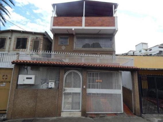 Casa En Venta Los Rosales 20-10125 Rah Samanes