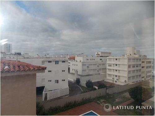 Apartamento En Península- Ref: 124