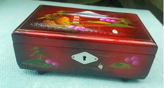 Caixa Porta Joias Musical Decoração Oriental Vermelha