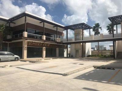 Locales Y Oficinas En Renta Dentro De Plaza Comercial Sobre Av. Bonampak, En Puerto Cancún