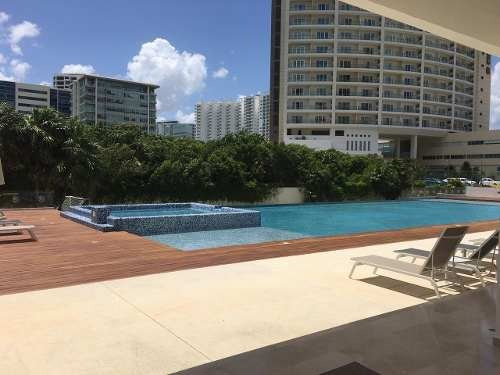 Venta De Departamento Entre Zona Hotelera Y Centro Cancun