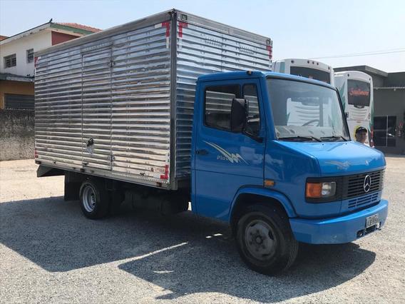 Caminhão Mercedes Bens - Mb 709 Baú - Segundo Dono.