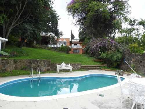Casa En Venta Con Uso De Suelo, Lomas De Cortes Cuernavaca...clave 2897